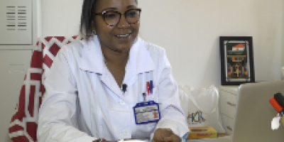 Dr Adama SAIDOU : Première femme chirurgienne du Niger
