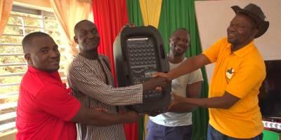 Région de l'Est : Le Projet Jeunes Ambassadeurs dote les Maisons des jeunes en matériel