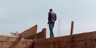 Mahama Kindo, étudiant en 2e année : « Je paie mes études grâce à la maçonnerie »